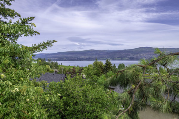 Front of house 3178 Vector Drive Quincy Vrecko Kelowna Luxury Real Estate