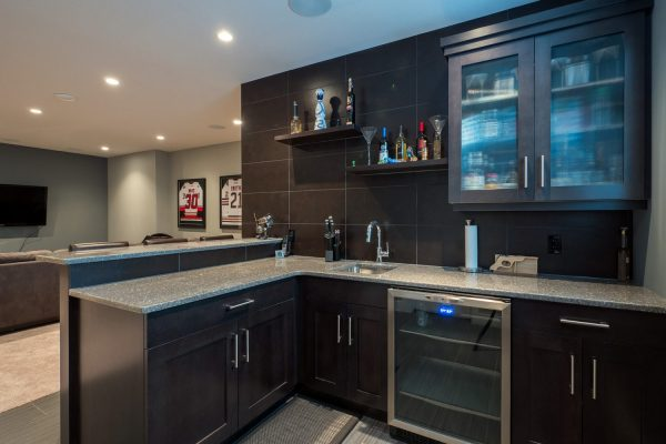 Wet Bar 455 Lakepointe Kelowna Homes Real Estate Quincy Vrecko