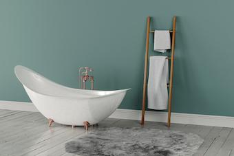 colourful accent wall behind bathtub in Kelowna home
