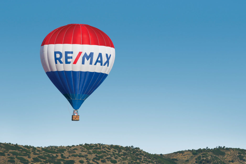 Remax balloon -Buying a home in Kelowna