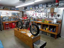garage with workbench