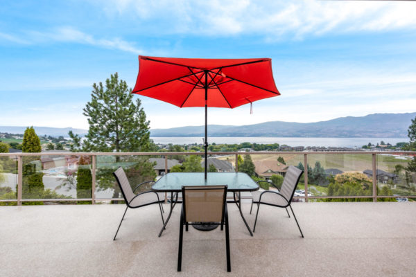 outdoor dining Tracey Vrecko Kelowna Real Estate