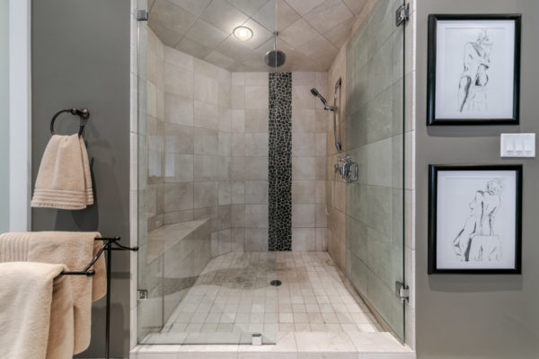 double shower Quincy Vrecko Kelowna Luxury Real Estate