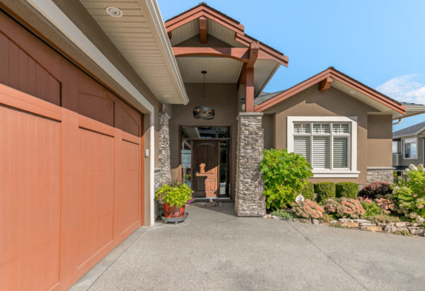 grand entrance Quincy Vrecko Kelowna Luxury Real Estate