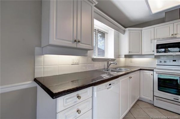 white cabinets Quincy Vrecko Kelowna Real Estate