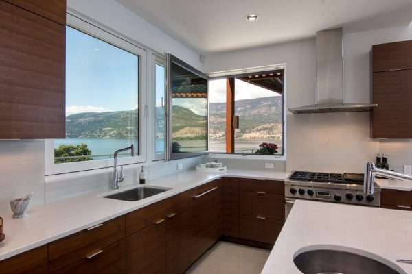 320 Poplar Point Quincy Vrecko Kelowna Luxury Real Estate