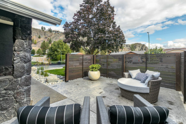 front patio glenmore home kelowna