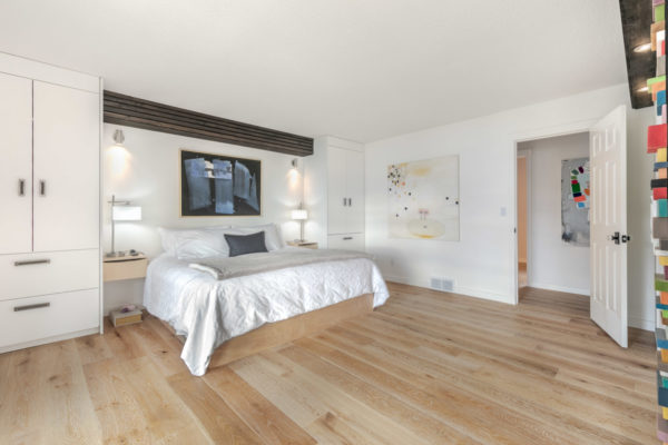 large master bedroom contemporarty Kelowna home