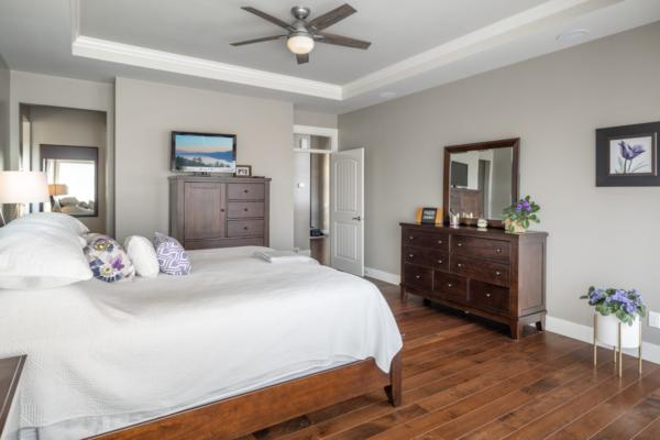 1477 Pinot Noir Drive - luxury master bedroom - Quincy Vrecko