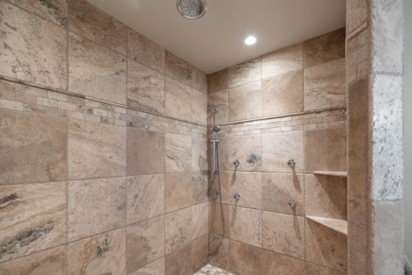 1477 Pinot Noir Drive - luxury shower - Quincy Vrecko