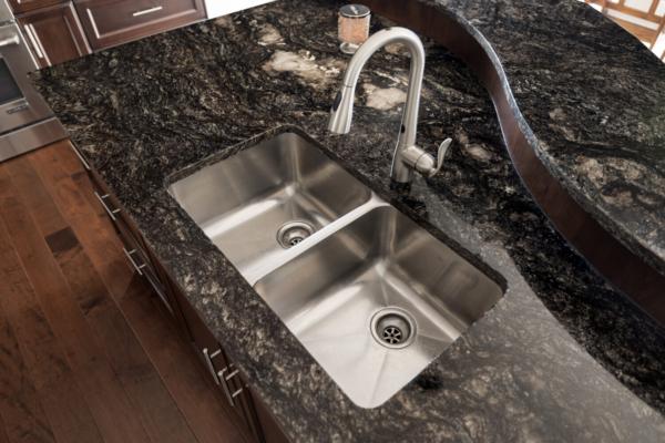 1477 Pinot Noir Drive - luxury kitchen sink - Quincy Vrecko