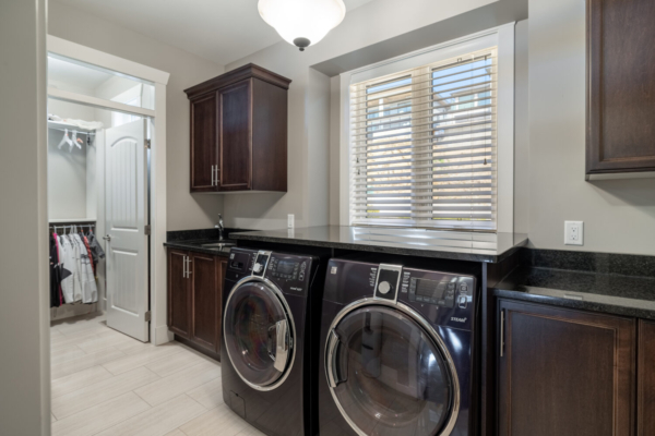 1477 Pinot Noir Drive - luxury laundry room - Quincy Vrecko