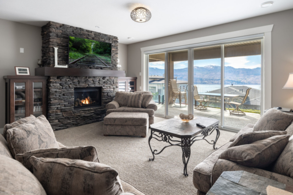 1477 Pinot Noir Drive - living room with view - Quincy Vrecko