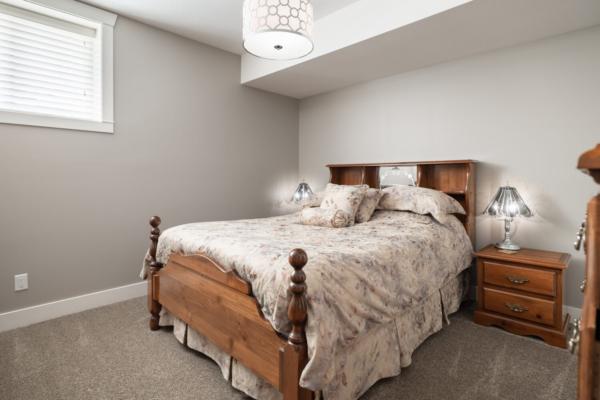 1477 Pinot Noir Drive - guest bedroom - Quincy Vrecko